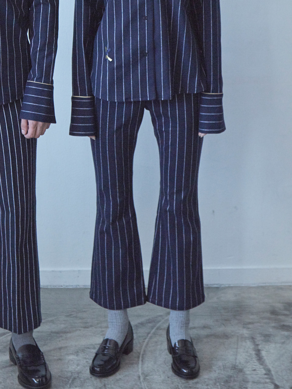 17FW BELL BOTTOM PANTS_NAVY