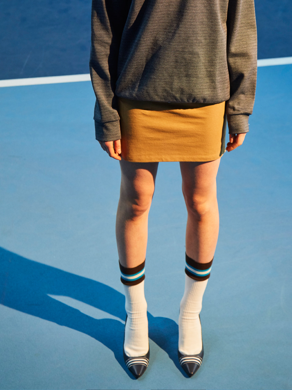 18SS V LINE MINI SKIRT