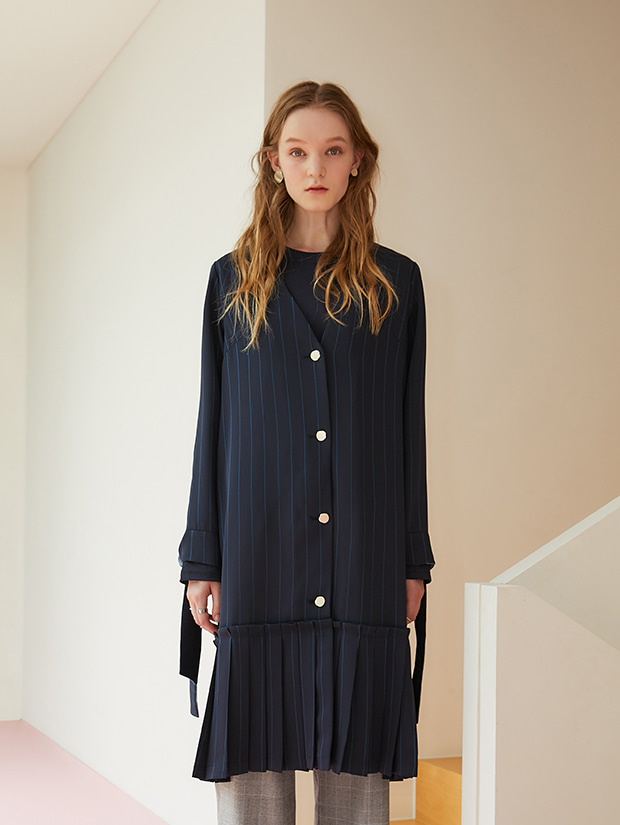 (20일 예약배송)19FW 1ST PLEATS RIBBON ROBE CARDIGAN_NAVY