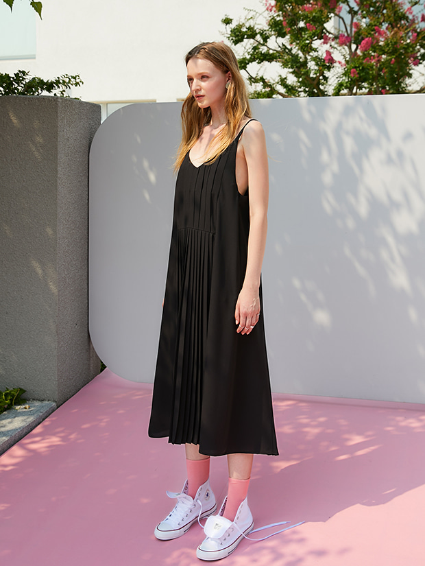 19FW 1ST PLEATS SLIP DRESS_BLACK